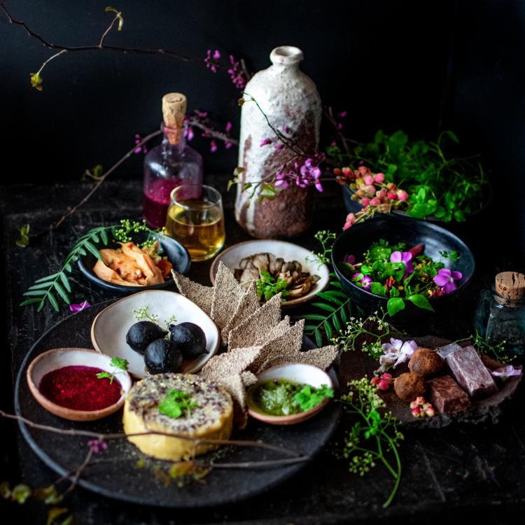 wild food spread